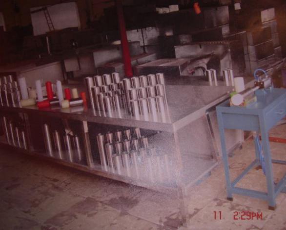 水冷工作台及不锈钢管模和拆模机